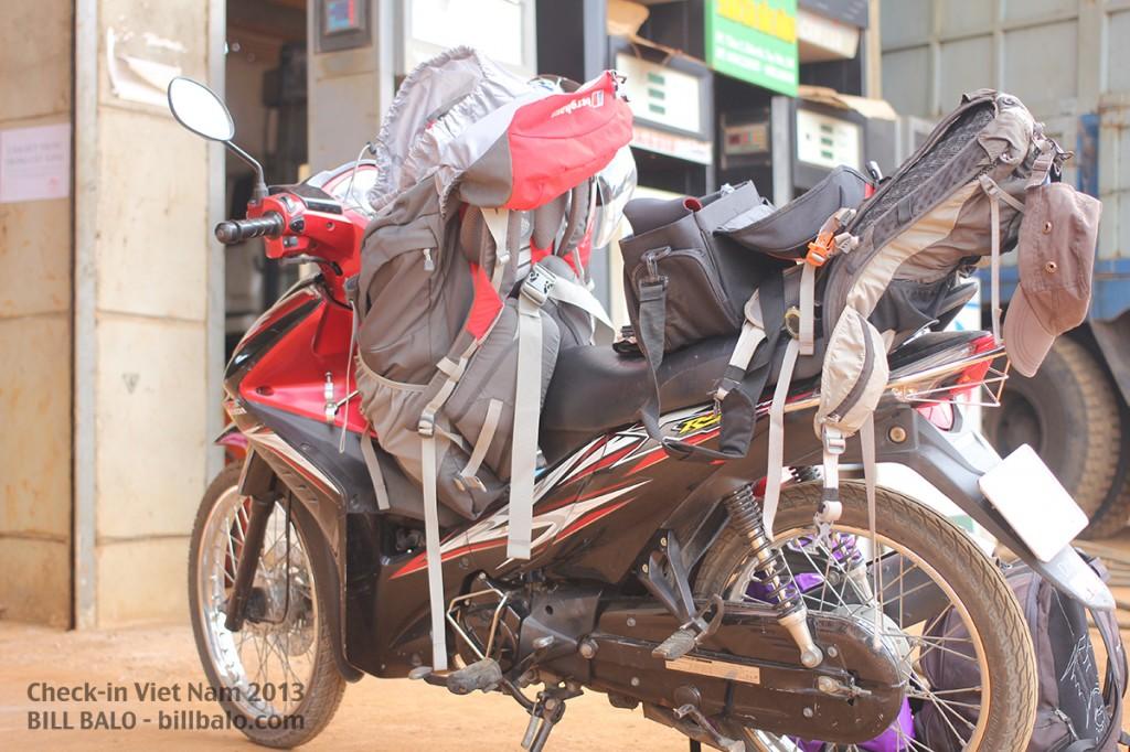 Hành trình xuyên Việt bằng xe máy