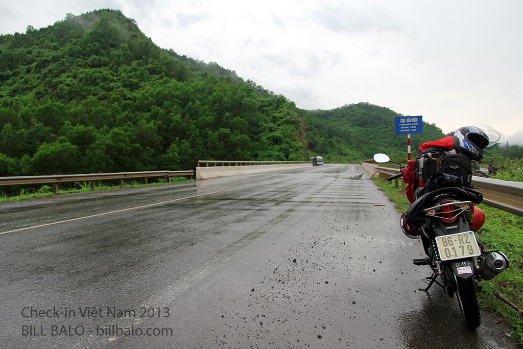 Trên đường 9 Nam Lào