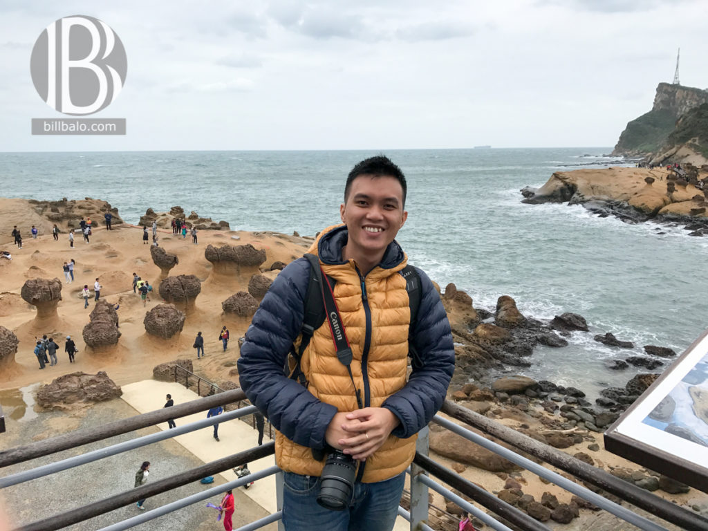 Thả tim ở công viên địa chất Dã Liễu (Yehliu) khi du lịch Đài Bắc