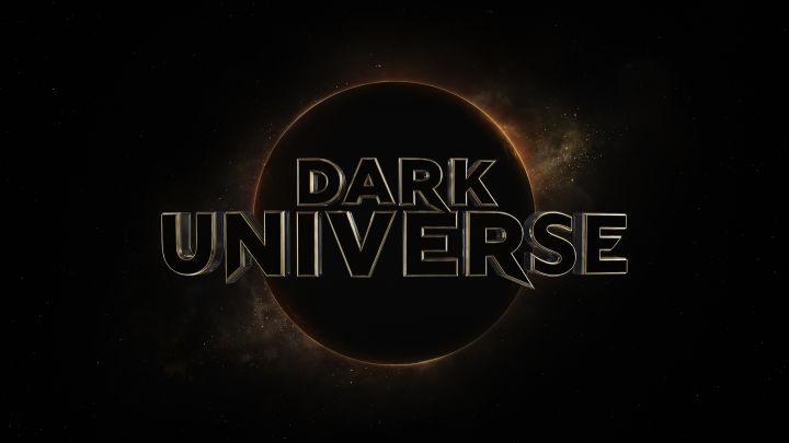 phim xác ướp 2017 vũ trụ đen tối