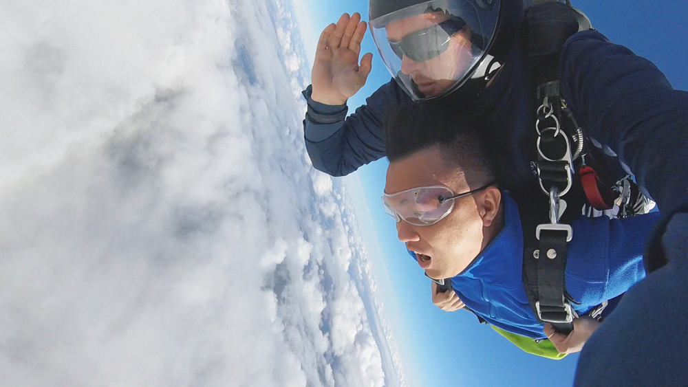 Chơi Skydive ở biển Wollongong Beach